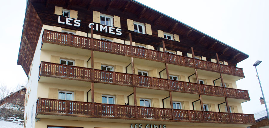 France_Alpe-dHuez_Chalet_hotel_les_cimes_exterior2.jpg